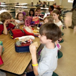 Applaud Free Lunch Initiative for 1.1 Million Students
