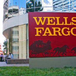 Wells Fargo Chief Executive Must Step Down
