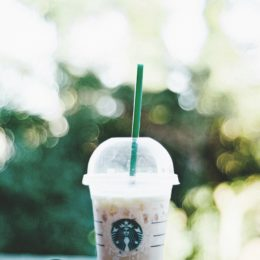 Support Starbucks Ban on Plastic Straws